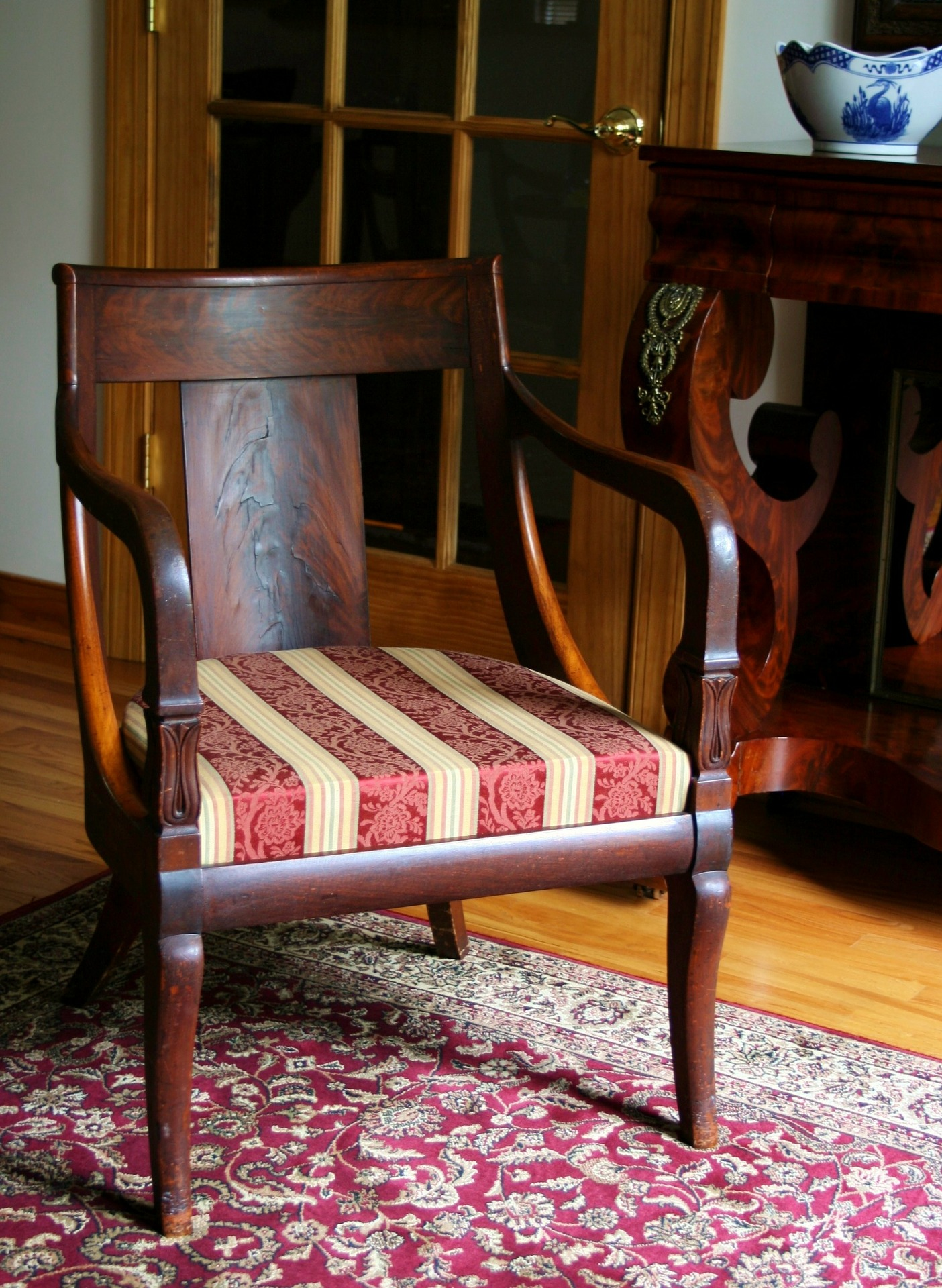 Finding appraisers of antique furniture - What's It Worth? Find The Value Of Your Inherited Furniture