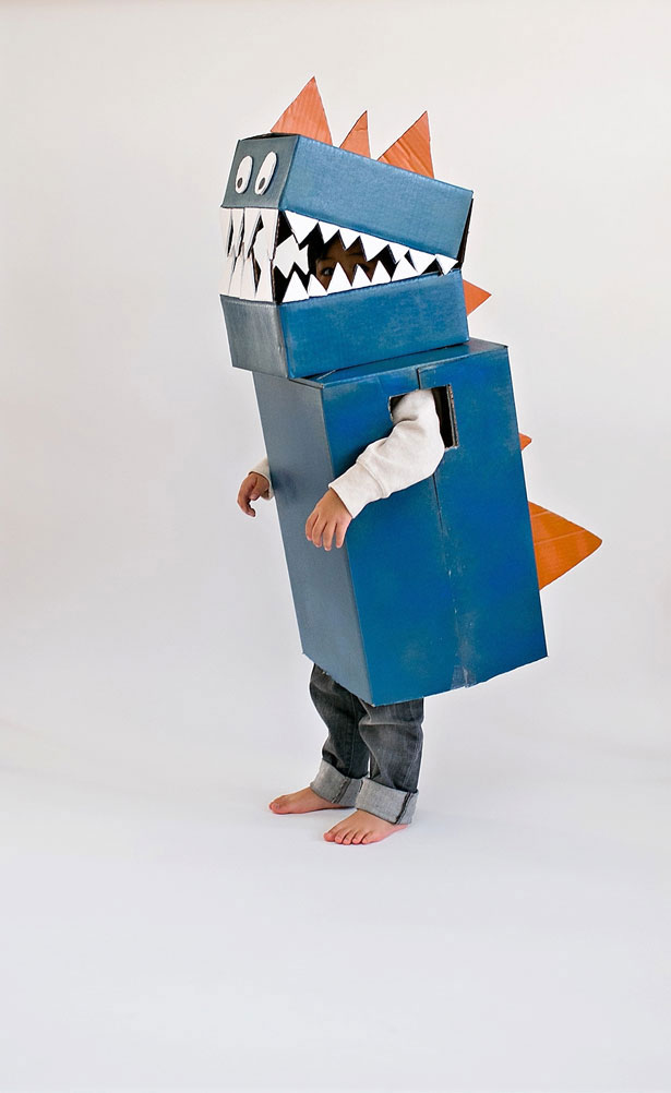 10 last minute cardboard box costume ideas for kids life storage blog cardboard box costume dinosaur halloween solutioingenieria Image collections