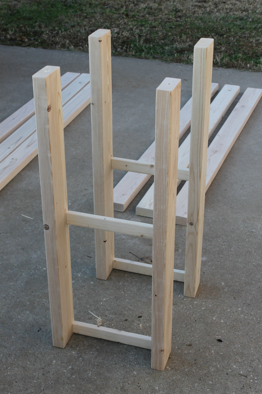 DIY console table legs assembly