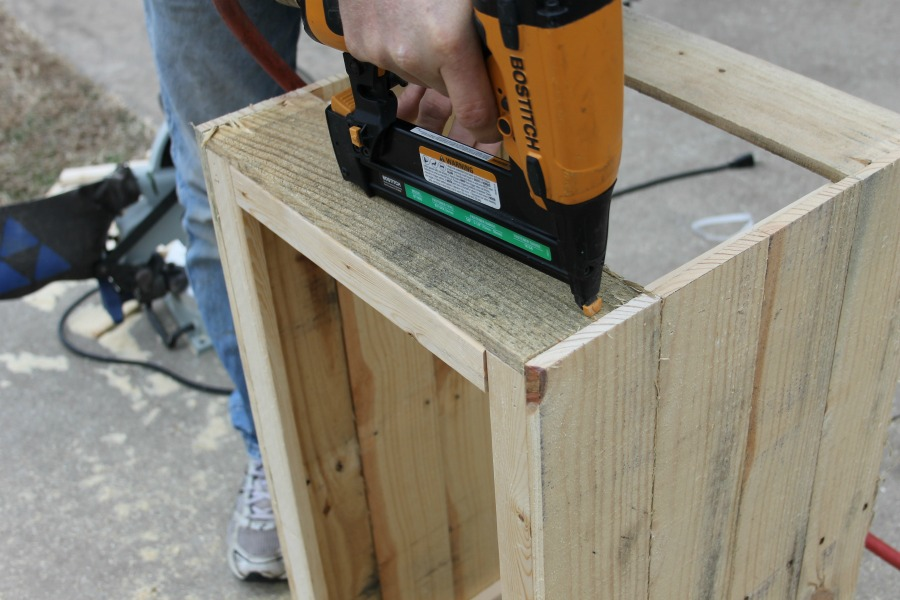 short sides assembly wood crate DIY