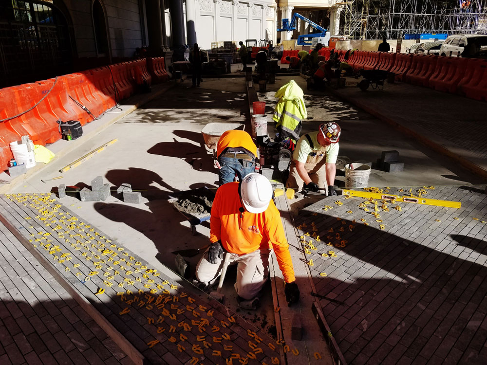Moving to Las Vegas, a Local's Guide - Construction Workers