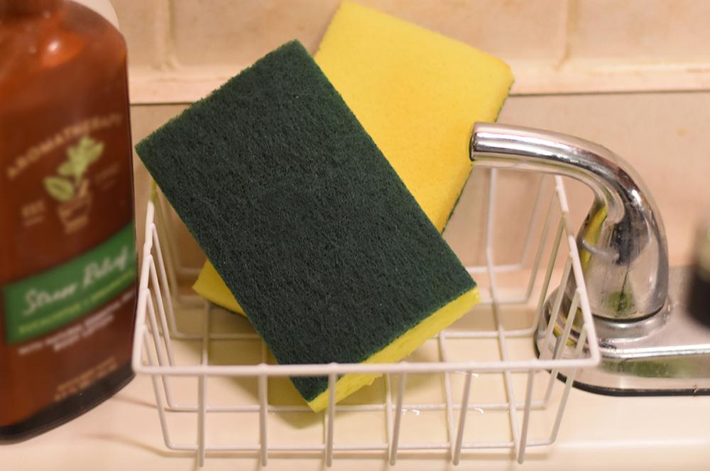 Cheap Organization Ideas - Sponge Kitchen Storage