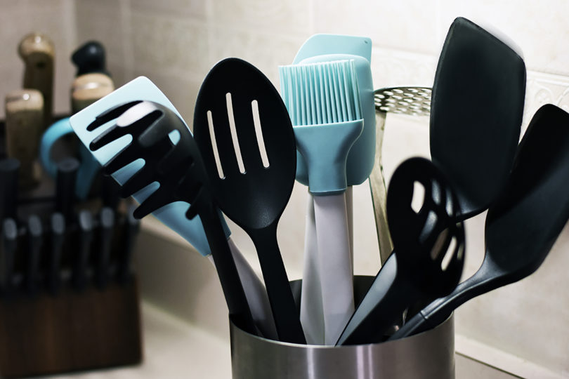 Cheap Kitchen Counter Utensil Storage