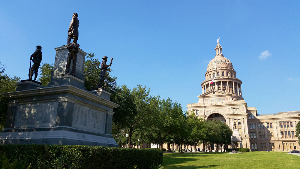 What's it Like Living in Austin, Texas? Places to Visit - The Capitol
