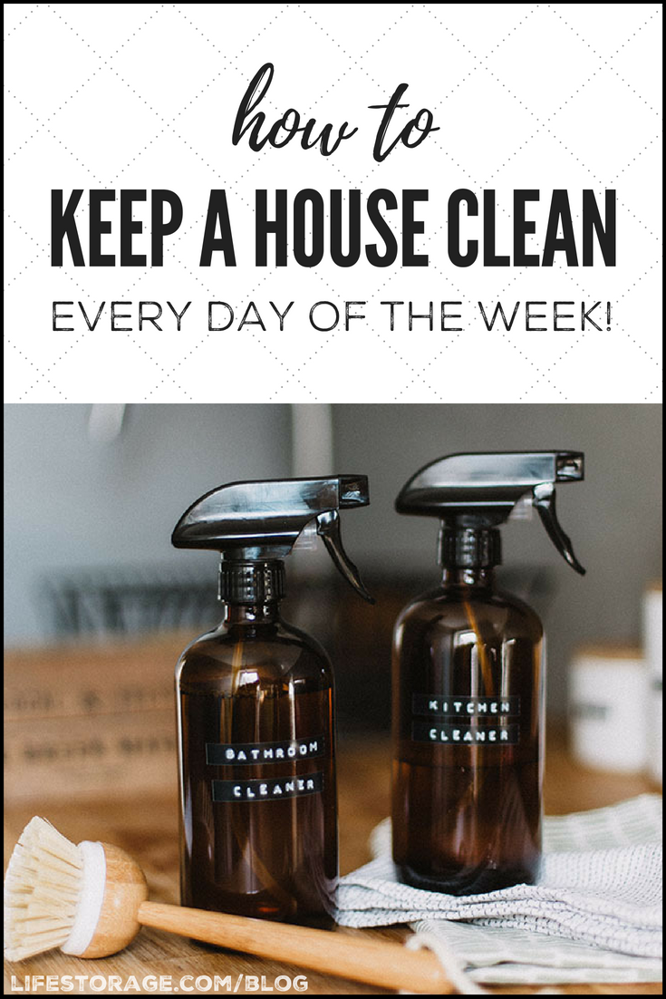 How to keep a house clean: spray bottles with DIY cleaner