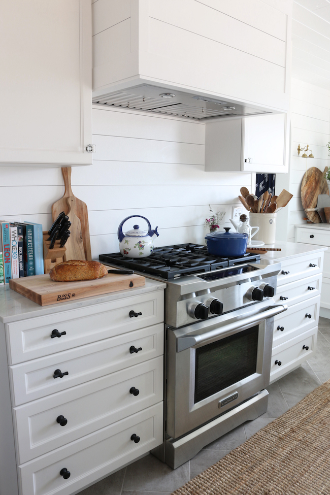 Organizing the Kitchen - Keep Everyday Items on Display