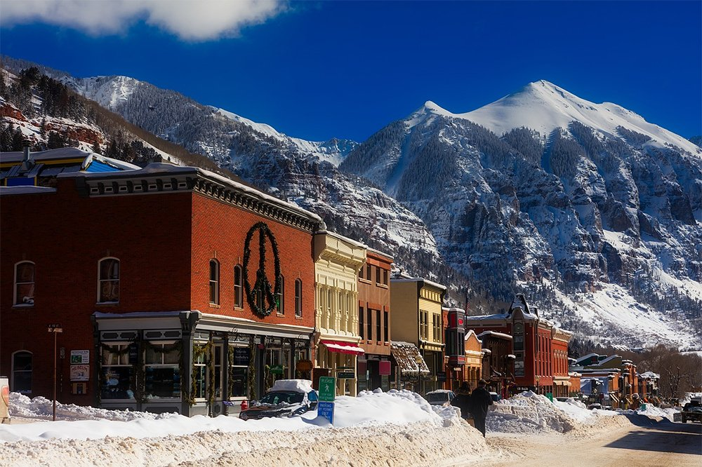 Best cities to live in Colorado: Colorado mountain town with a dusting of snow