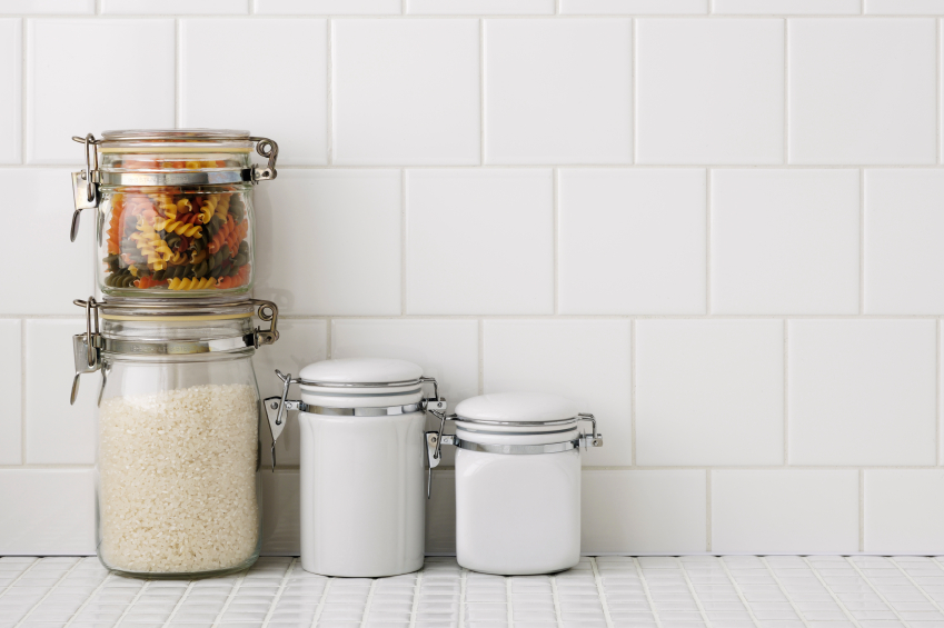 Organizing the kitchen - remove clutter first