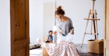 How to Pack Lamps and Lamp Shades for Moving