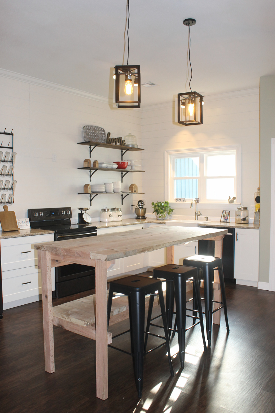 DIY Kitchen Storage: Check out our tutorial to make your own kitchen island