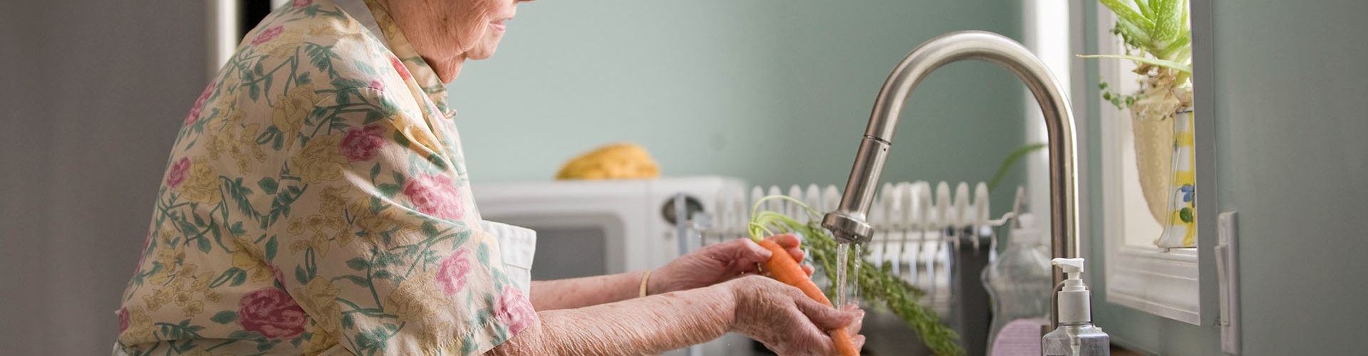 moving in with an elderly parent - advice